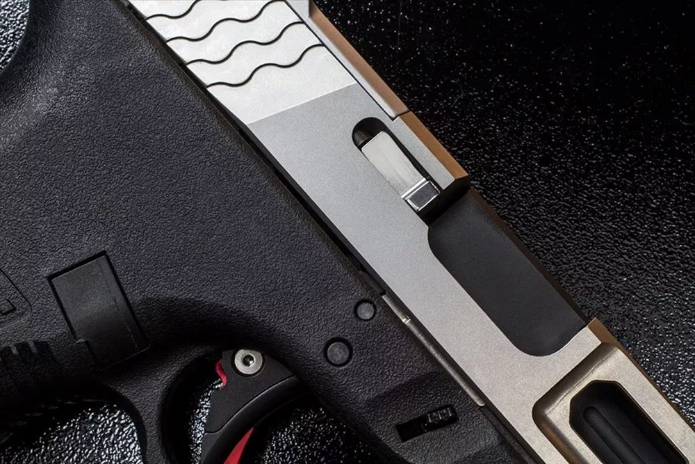 AlphaWolf Stainless Extractor in pistol